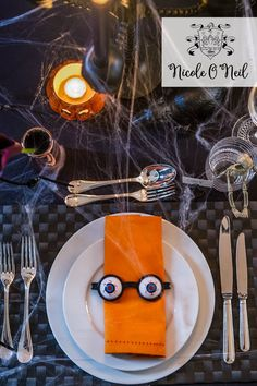 Halloween Party Decoration Ideas and Halloween Table Setting Inspiration Sydney Blog, Halloween Table Settings, Party Themes, Party Ideas, Table Setting Inspiration, Science Party, Australia Day, Circus Theme, Real Housewives