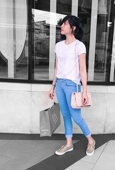 Your Favorite Star's Height! Teen Fashion, Love Fashion, Fashion Models, Womens Fashion, Simple Outfits, Casual Outfits, Cute Outfits, Filipino Fashion, Celebrity Style Inspiration