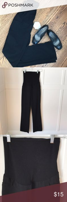 """Full Panel Maternity Pants In excellent condition. Full panel and comfortable! 31.5"""" inseam. Motherhood Maternity Pants Trousers"""