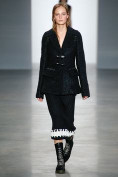 1 - Calvin Klein Collection - Fall 2014 Ready-to-Wear