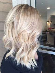 Blonde with warm base #BlondeHairstylesDark