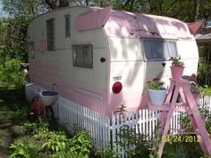 pink and pretty Shasta.  cutie patootie, love the pink ladder, picket fence, and garden....I have a perfect spot for this.