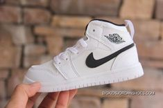Discover the Kids Air Jordan 1 Shoes 2018 New Version 3 Super Deals collection at Footlocker. Shop Kids Air Jordan 1 Shoes 2018 New Version 3 Super Deals black, grey, blue and more. Get the tones, get the features, get the look! Jordan Shoes For Women, Michael Jordan Shoes, Air Jordan Shoes, Jordan 1, Jordan Retro, New Jordans Shoes, Kids Jordans, Retro Jordans, Nike Free Shoes