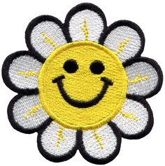 Smiley face daisy hippie flower power embroidered applique iron-on patch Ideal for adorning your jeans, hats, bags, jackets and shirts! Cute Patches, Pin And Patches, Iron On Patches, Hippie Flowers, Smiley, Flower Power, Overlays, Embroidery Designs, Daisy