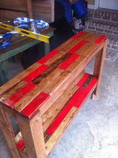 DIY Cool Pallet Sofa Side Table | 101 Pallets