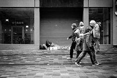 https://flic.kr/p/PLPusQ | No Party | Glasgow. 03.12.2016 Leica M7; 50mm APO-Summicron; HP5; Rodinal