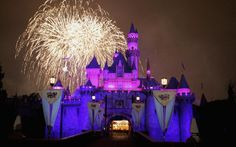 The 25 Tricks That Everyone Who Visits Disneyland Should Know - Los Angeles Magazine