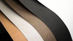#####SnapPap:+waschbar+und+reißfest#####  Ein+tolles+und+vielseitig+einsetzbares+Material+ist+SnapPap,+ein+waschbares+und+reißfestes+Papier.+Es+besteht+aus+einer+Papier-Kunststoff-Mischung,+die+sich+aus+Zellulose+und+Latex+zusammensetzt. Das+Material+ist+aber+nicht+nur+waschbar+und+reißfest,+es+ist+auch+abriebfest+und+beim+Waschen+bilden+sich+keine+Fusseln+oder+Knötchen. SnapPap+ist+bei+uns+in+den+Farben+weiß,+hellgrau,+hellbraun,+dunkelbraun,+schwarz+als+Zuschnitt+mit+den+Maßen+50cm+x+1...
