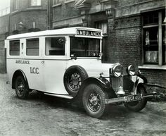 White London County Council ambulance Deptford 1935 The vehicle has ambulance written on its side accompanied by a crest Artist unknown Vintage London, Old London, Greater London, Emergency Vehicles, Vintage Photographs, Vintage Images, Black White Photos, Old Trucks, Motor Car