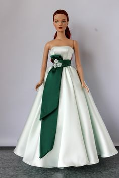 dolls couture Welcome to fashion store for Rayne Tyler Antoinette Ellowyne Tonner and Fashion Royalty dolls! Here you can find only the best design, high quality and large assortment. Barbie Wedding Dress, Barbie Gowns, Barbie Dress, Types Of Dresses, Women's Dresses, Fashion Dresses, Fashion Royalty Dolls, Fashion Dolls, Sewing Barbie Clothes