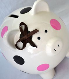 Custom piggy banks with vynil - sweet owner at this store. This Little Piggy, My Little Girl, Polka Dot Party, Polka Dots, Rainny Day, Pig Bank, Penny Bank, Cute Piggies, Money Box