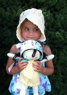 My Cotton Creations: Easy Pioneer Bonnet Tutorial from a fat quarter. Make one for her doll too! July 24th, Little House on the Prairie, American Girl Dolls.