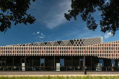 Sioo:x uses nature to form a silicon based shell on our Vulcan timber, which weathers to a beautiful silver grey. Sioo:x provides a long term weathered look without leaving your wood unprotected – and can last up to Timber Screens, Wood Cladding, New Zealand, Natural Wood, Building, Nature, Facades, Blade, Beautiful