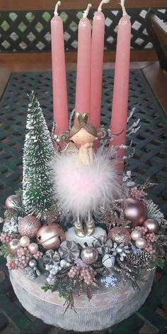 Pink Christmas Decorations, Christmas Centerpieces, Christmas Wreaths, Christmas Crafts, Christmas Candle Holders, Victorian Christmas, Xmas Ornaments, Christmas Sweets, Xmas Decorations