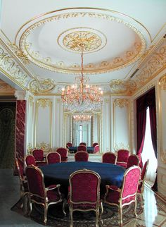 Ornate gilded dining room. Work by Foster Reeve & Associates