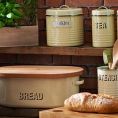 Shop for Typhoon Vintage Cream Bread Bin. Create a stylish, retro kitchen decor with this Vintage Cream Bread Bin with beech wood lid. Beach Kitchen Decor, Kitchen Shelf Decor, Copper Kitchen Decor, Beach Kitchens, Teal Kitchen, Retro Kitchen Decor, White Kitchen Decor, Boho Kitchen, Cute Kitchen