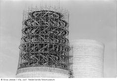 Koeltoren van Oranje Nassau Mijn I in aanbouw, Heerlen (1952-1953)