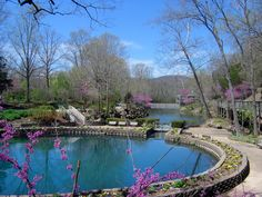 Blue Spring in Eureka Springs, AR, intensely blue water, and on the Cherokee Trail of Tears. Arkansas Vacations, Eureka Springs Arkansas, Spring Break Trips, Trail Of Tears, Blue Springs, Spring Nature, Cool Pools, London Travel, In This World