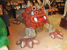 アグーと沖縄料理と沖縄そばの店 「大家(うふやー)」店内の、ひょうきんな顔をしたシーサー