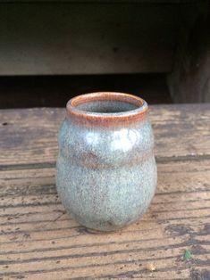 Pottery Bowls, Pottery Ideas, Ceramic Pottery, Bud Vases, Flower Vases, Flower Pots, Ceramic Jars, Ceramic Decor, Pottery Wheel Diy