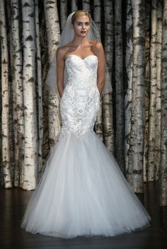 Naeem Khan Bridal Spring 2015 - Slideshow - Runway, Fashion Week, Fashion Shows, Reviews and Fashion Images - WWD.com