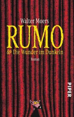 Rumo-sehr witzig und chaotisch, es ist teilweise nur schwer, die Konzentration zu behalten, eine Fußnote kann schon mal ein halbe Seite lang sein, aber man bereut es  nicht, wenn man sie liest!! :D
