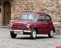 Seat 600 D Super cute as well! Fiat 600, Classic European Cars, Classic Cars, Retro Cars, Vintage Cars, 1990s Cars, Veteran Car, Good Looking Cars, Fiat Cars