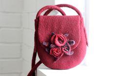 Felt handbag, dark red felted bag with roses, bridesmade purse, messenger bag, shoulder bag, cross body hobo bag, felted handbag, woman gift by AgnesFelt on Etsy