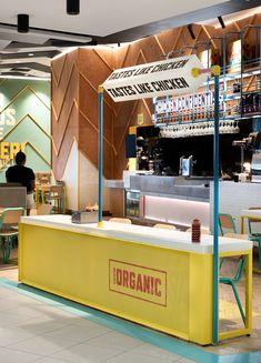 Chicken Confidential, by Luke Mangan — Juicy Design Kiosk Design, Display Design, Booth Design, Retail Design, Food Court Design, Food Counter, Work Cafe, Food Kiosk, Counter Design