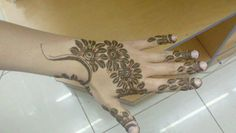 Simple mehndi henna designs is a collection of simple hand henna designs and henna simple designs for ladies to learn and enjoy.