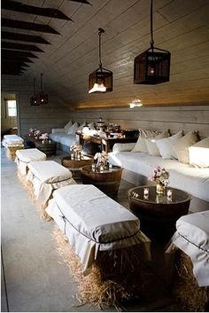 Hay bale benches for a barn party - Great for a rustic wedding reception Barn Parties, Western Parties, Deco Champetre, Event Decor, Rustic Wedding, Farm Wedding, Trendy Wedding, Taupe Wedding, Dream Wedding