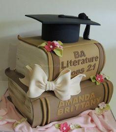 4 The Graduate. # Graduation Cake Graduation The Graduate. kuchen Graduation Books 4 The Graduate. Fancy Cakes, Cute Cakes, Bolo Chanel, Cupcakes Decorados, Book Cakes, Novelty Cakes, Occasion Cakes, Savoury Cake, Creative Cakes
