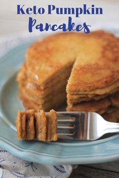 Keto Pumpkin Pancakes – You will love these low carb pumpkin pancakes! The best keto breakfast you can have this Fall! Keto Pumpkin Pancakes – You will love these low carb pumpkin pancakes! The best keto breakfast you can have this Fall! Vegan Keto Diet, Low Carb Keto, Vegan Detox, Paleo, Best Keto Breakfast, Breakfast Recipes, Breakfast Ideas, Pancake Recipes, Perfect Breakfast