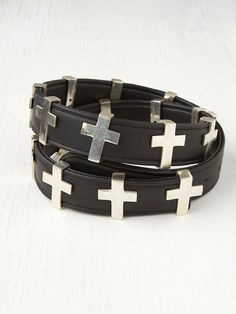 New post up on Fifth Sapphire - Crosses. | www.fifthsapphire.com | #fashion #crosses #fashionblog #accessories