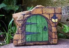 Rock Painting Ideas Little Houses For Miniature Garden Design - Creative Rock Painting Ideas Are A Way To Add Inexpensive Art To Your Miniature Garden Design And Decorate Flower Beds With Unique Accents Rock Painting Is The Art Of Painting On Rocks Which Pebble Painting, Pebble Art, Stone Painting, Stone Crafts, Rock Crafts, Art Pierre, Diy Garden Decor, Garden Decorations, House On The Rock