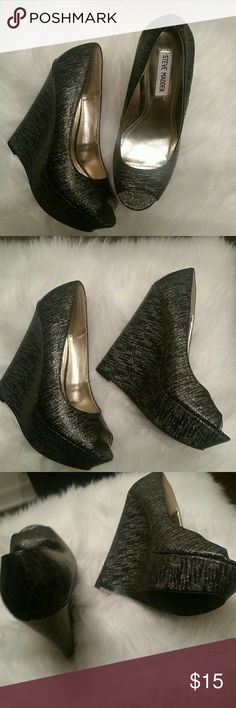 Black Silver Wedges Peep Toe STEVE MADDEN 7.5 NEW STEVE MADDEN WEDGES PEEP TOE BLACK/SILVER , SIZE 7.5 . FABULOUS HOLIDAY HEELS....  FREE GIFT INCLUDED STEVE MADDEN Shoes Wedges