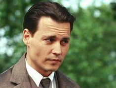 Finding Neverland - Johnny Depp gave a truly incredible performance in this movie Johnny Movie, Johnny Depp Movies, Young Johnny Depp, James Matthews, Jonny Deep, I Still Love Him, Finding Neverland, Captain Jack Sparrow, Jawline