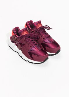 brand new 115c2 6d617 Other Stories   Nike Air Huarache Run Print Nike Shies, Model Street Style,  Street