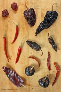 La Domestique S 10 Ways Tuesday Dried Chiles Chillies Es And Herbs Veggie