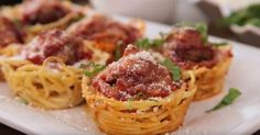 She Put Spaghetti In A Muffin Tray. The Result? I Will Definitely Treat My Friends To This!