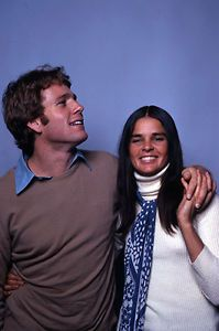 Ali Macgraw, Love Story Movie, The Painted Veil, Ryan O'neal, Ps I Love You, Great Love Stories, Glamour, Hollywood Actor, Classic Movies
