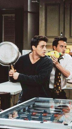 friends Joey and Chandler - Movie Ideas Friends Tv Show, Friends 1994, Joey Friends, Serie Friends, Friends Cast, Friends Episodes, Friends Moments, Friends Forever, Chandler Friends
