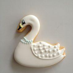swan icing cookie♡