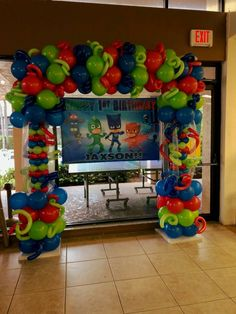Pj Masks Birthday Cake, Superhero Birthday Party, 6th Birthday Parties, 4th Birthday, Fiesta Decorations, Balloon Decorations, Birthday Party Decorations, Decoracion Pj Mask, Pj Masks Balloons