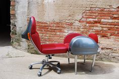 Vespa chair + sidepanel Vespa seats. new edition