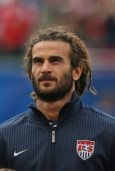 """Kyle Beckerman of the United States with the """"Khal Drogo"""". I love the name of his hair style lol! Only 2 guys with Dreads I've ever found attractive haha Real Soccer, Usa Soccer Team, Soccer Guys, Team Usa, David Beckham, Kyle Beckerman, Hot Rugby Players, Hair And Beard Styles, Hair Styles"""