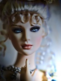 About The Rose of Versailles: Ultimate Glamour Ashleigh has completely captivated me! I just cannot wait for Tonner ConI am so excited about the next resin girl, and she will be coming home with me.