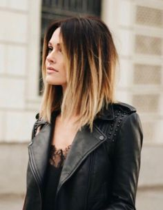 120 short ombre hair color ideas to try – page 7 Caroline Receveur Hair, Medium Hair Styles, Curly Hair Styles, Short Ombre, Ombre Hair Color, Long Curly Hair, Stylish Hair, Balayage Hair, Haircolor