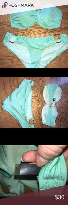 Victoria's Secret Bikini top 34DD, bottom M Light ocean colored turquoise bikini.  Top 34DD, bottoms size Medium.  Good used condition Victoria's Secret Swim Bikinis
