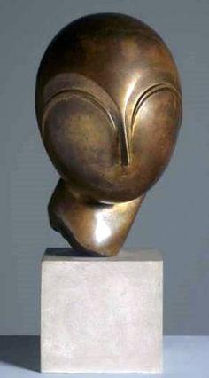 Constantin Brancusi - Donaire - Madmoiselle Pogany - 1920 - 45 cm.  Centro Pomppidu (Paris, France)